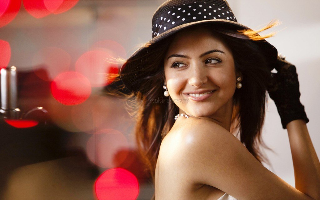Anushka Sharma With Hat - Anushka Sharma With Hat