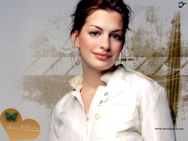 Anne Hathaway Casualy - Anne Hathaway Casualy