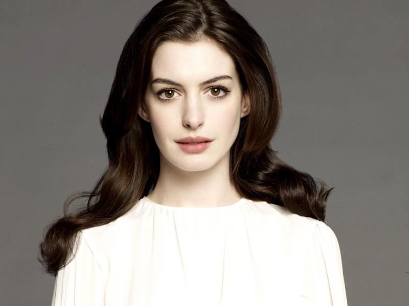 Anne Hathaway White Shirt - Anne Hathaway White Shirt