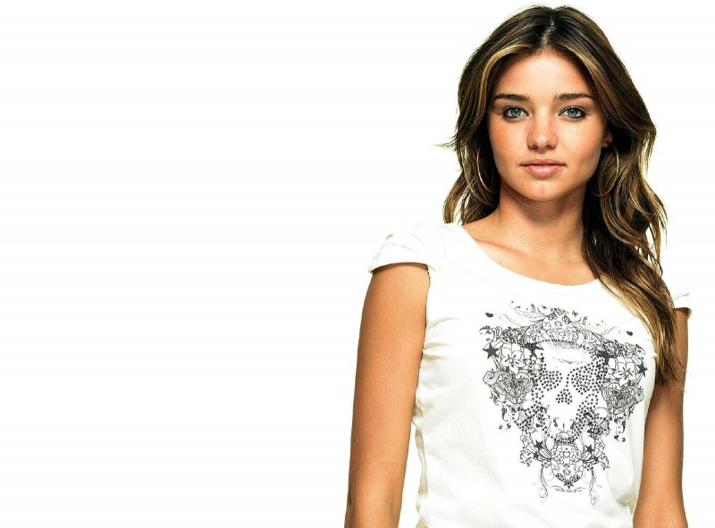 Miranda Kerr White t-Shirt - Miranda Kerr White t-Shirt