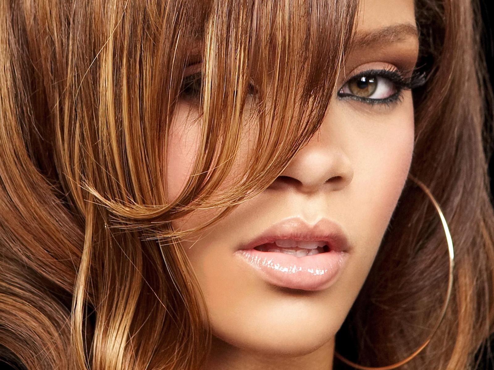 Beautiful Rihanna - Beautiful Rihanna