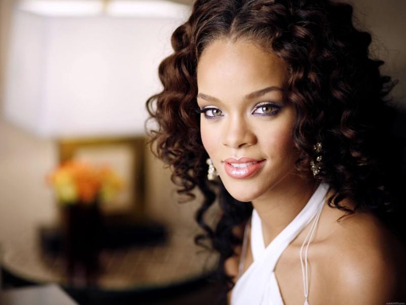 Curly Hair Rihanna - Curly Hair Rihanna