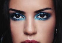 Dramatic Eye Shadow - Dramatic Eye Shadow