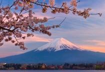 Pumps Lake Kawaguchi Mount Fuji Japan - Pumps Lake Kawaguchi Mount Fuji Japan