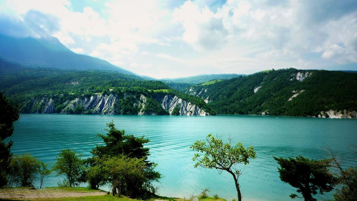 Awesome Mountain Lake Landscape - Awesome Mountain Lake Landscape