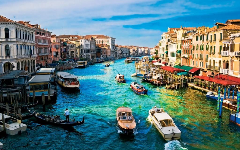 Lively Dock Venice Italy - Lively Dock Venice Italy