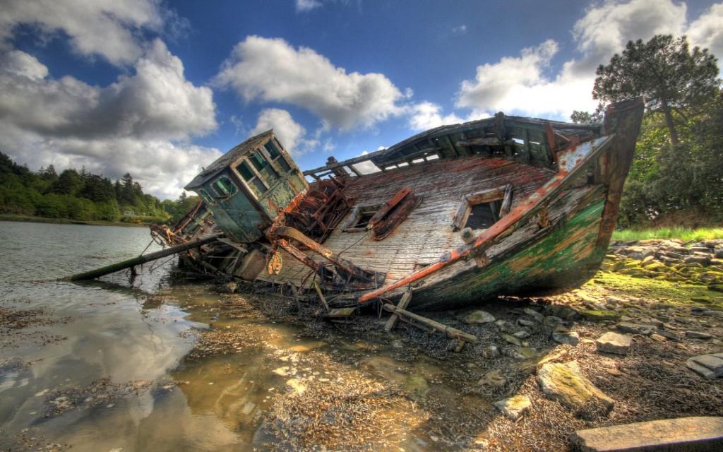 Broken Boats Pictures - Broken Boats Pictures