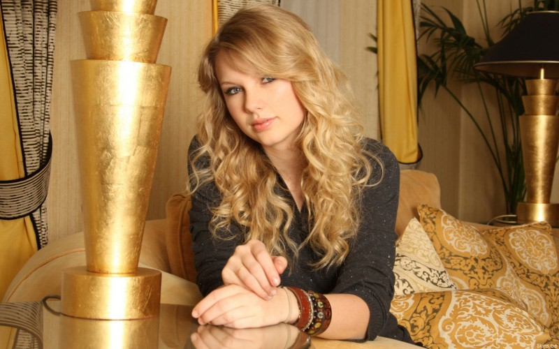 Golden Taylor Swift - Golden Taylor Swift