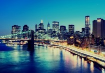 Brooklyn-Bridge-at-Night