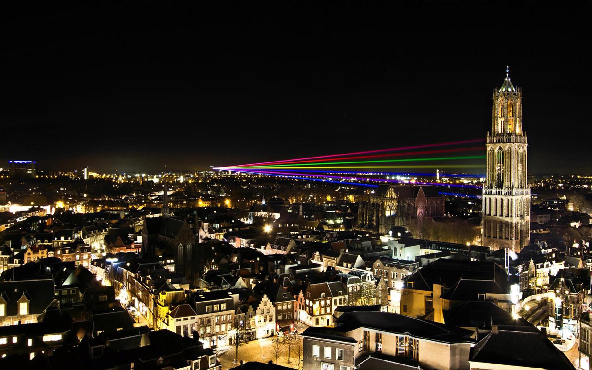 Utrecht City Night Wallpaper - Utrecht City Night Wallpaper