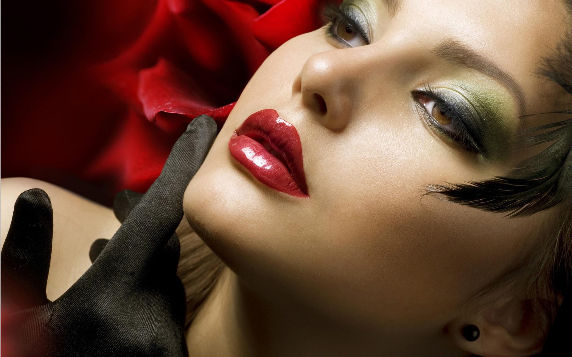 Sensual Lip Beautiful Model - Sensual Lip Beautiful Model