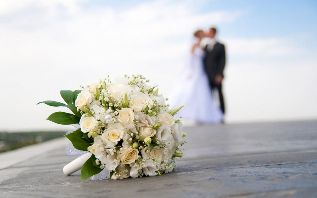 White Bundle Flower Wedding - White Bundle Flower Wedding