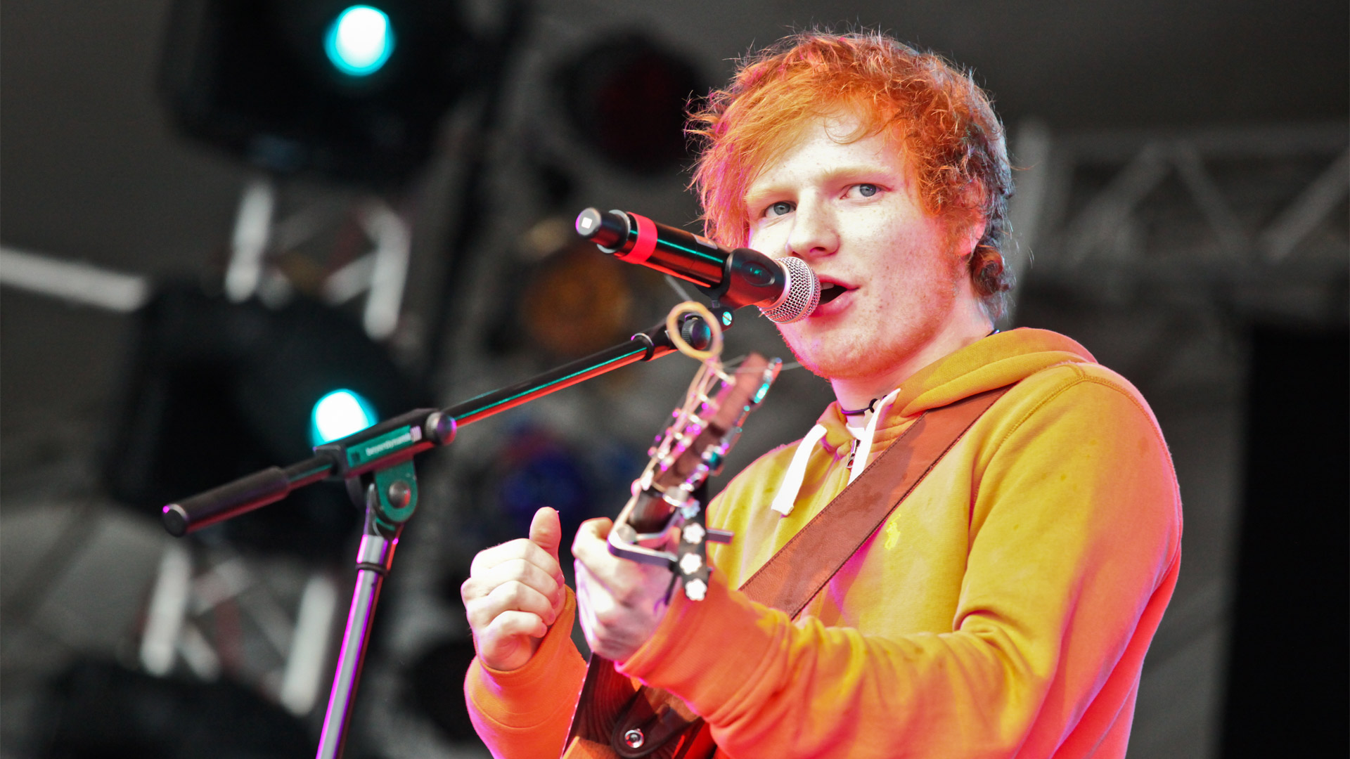 Ed Sheeran Photos - Ed Sheeran Photos