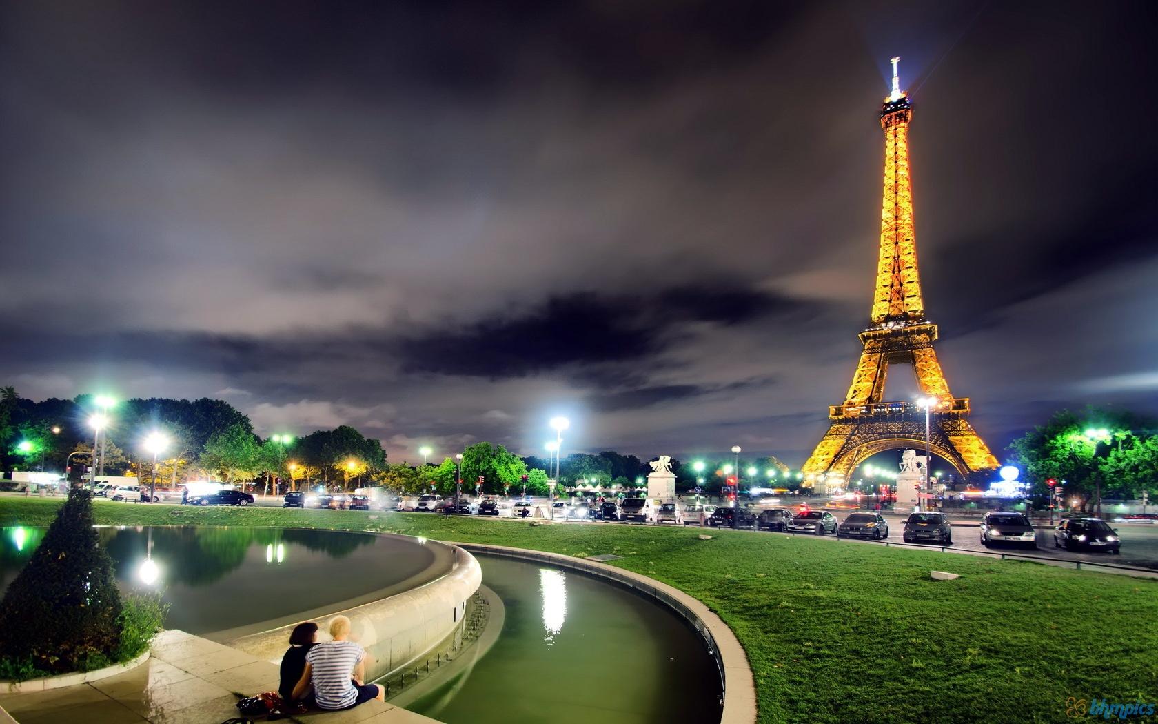 exotic nigt city paris