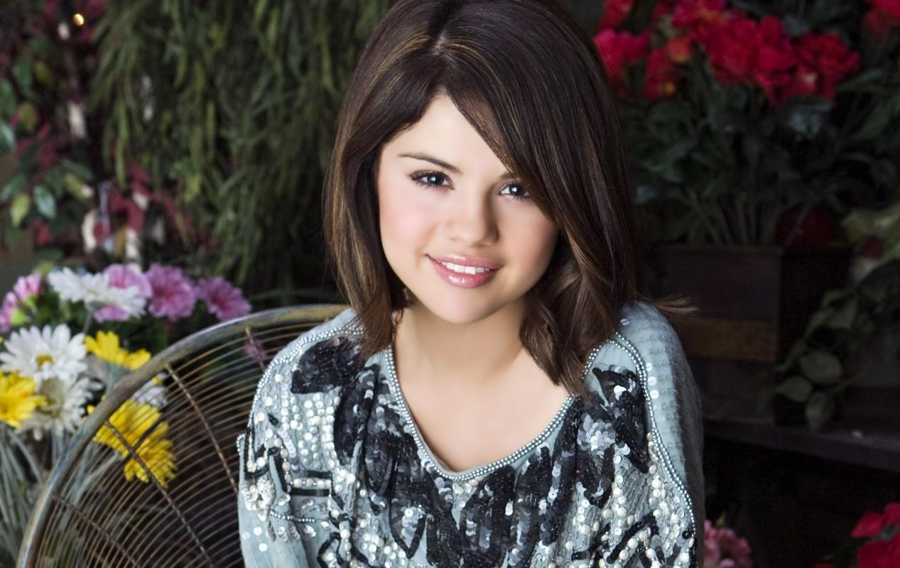 Fresh Selena Gomez Pictures - Fresh Selena Gomez Pictures