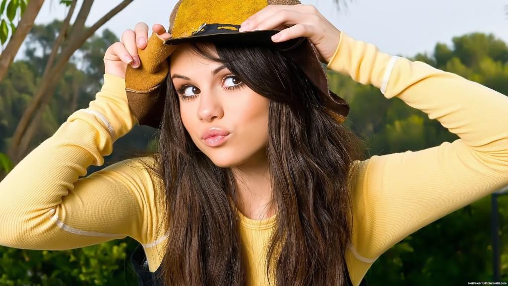 Selena Gomez Cute - Selena Gomez Cute