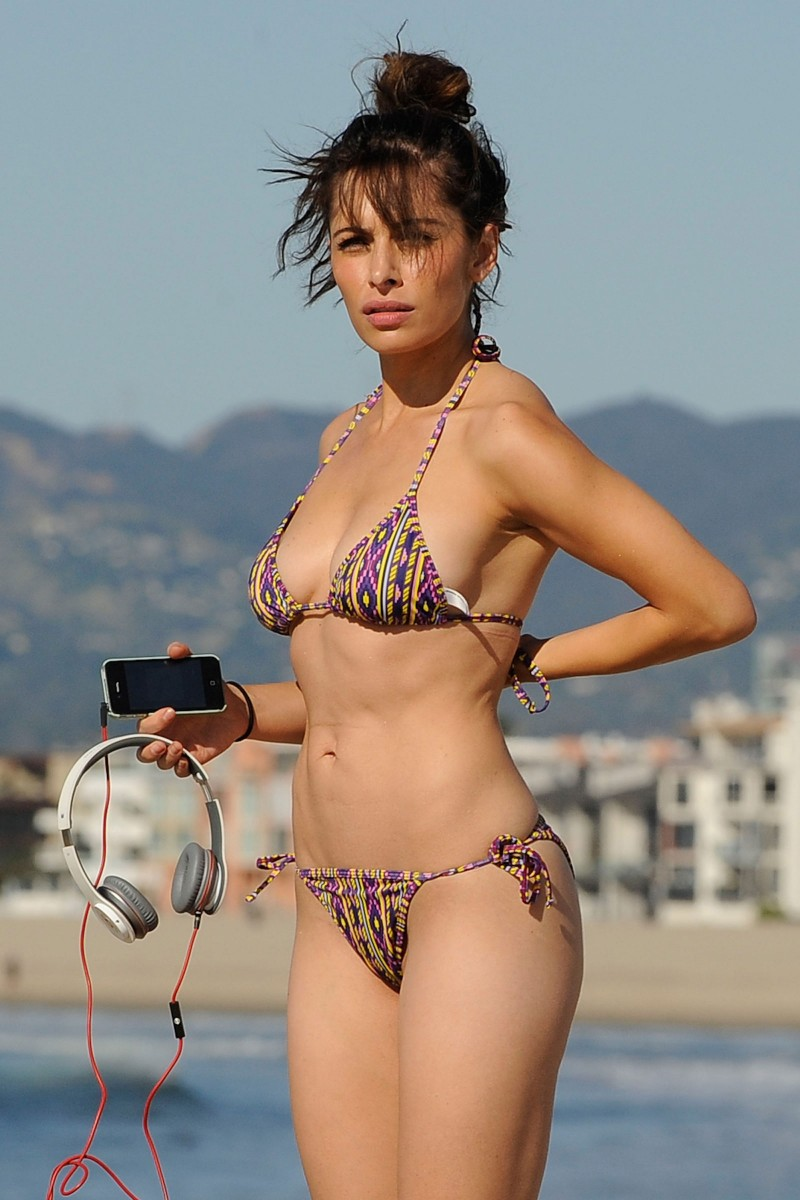 sarah shahi  bikini clad on beach