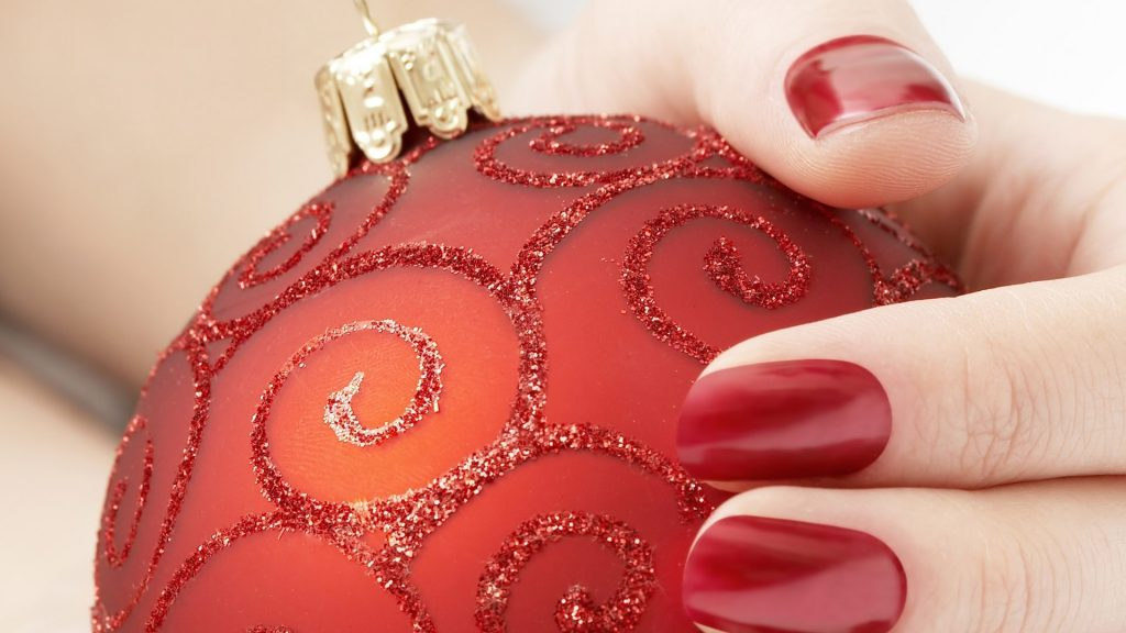 Red Nails and Red Ornament